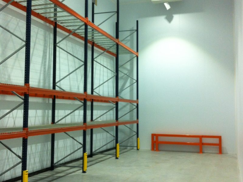 Distribution warehouse installation with racking