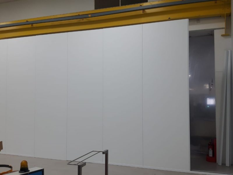 Cleanroom partitions for medical device manufacturers