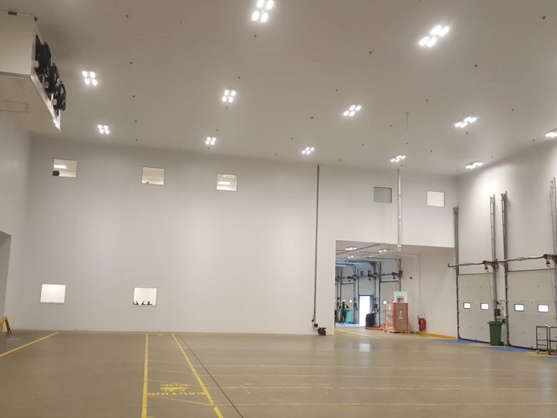Hygienic panels for food distribution hub