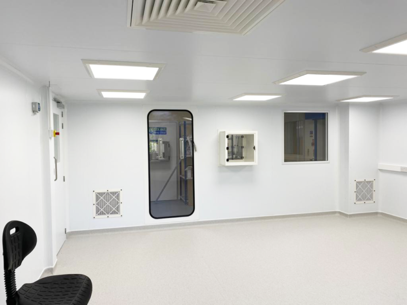 ISO 7 Medical Cleanroom